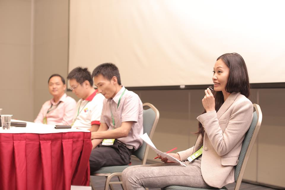 Joanna Huang chairs panel at OpenStack Taiwan Day 2015