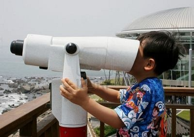 aptira openstack - Innovation on retreads - boy with large binoculars